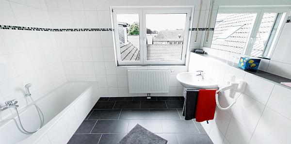 ferienwohnung-monschau-lounge-3-badezimmer